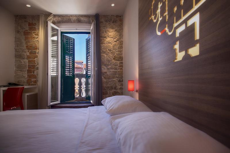 Hotel Slavija room
